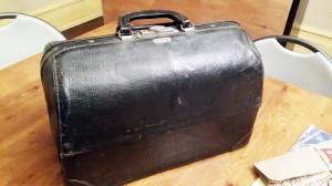 antique doctor's bag 2